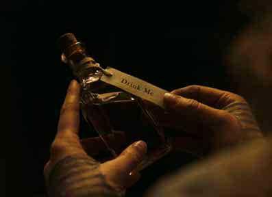 illuminati-movies-alice-in-wonderland-live-drink-me